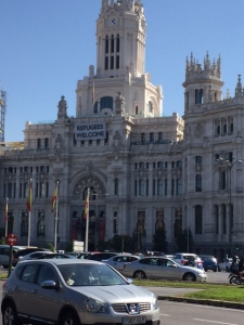 Cibeles ' complete with its welcome refugees banner